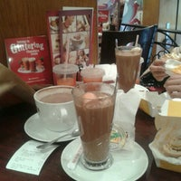 Photo taken at Costa Coffee by Fatin Amirah A. on 12/24/2013