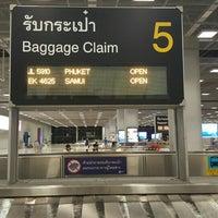 Photo taken at Baggage Claim 5 by Jang S. on 6/6/2016