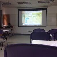 Photo taken at Building 5, Faculty of Engineering by Praeriiz ✌🏻️ G. on 10/31/2016