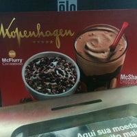 Photo taken at McDonald's by Márcio R. on 5/23/2016
