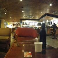 Photo taken at Starbucks by Tulus on 5/7/2016