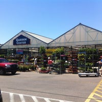 Photo taken at Lowe's Home Improvement by Wesley S. on 5/12/2013