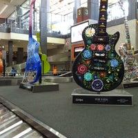 Das Foto wurde bei Austin Bergstrom International Airport (AUS) von Mary M. am 7/5/2013 aufgenommen