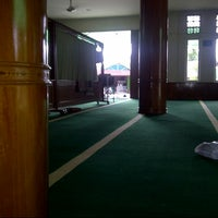 Photo taken at Masjid Asra Albakrie by Fitrah H. on 3/18/2013