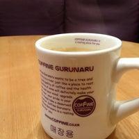 Photo taken at COFFINE GURUNARU by Se Hoon G. on 1/15/2013