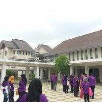Photo taken at Rumah Sri Kenangan Cheras, Jabatan Kebajikan Masyarakat by Shahira N. on 4/12/2016