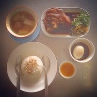 Photo taken at ข้าวขาหมู เฮียเจี๊ยะ by MildVocaList P. on 1/22/2015