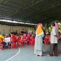 Photo taken at JPS Futsal Ampang by Oyen F. on 12/19/2015