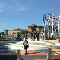 Photo taken at Universal Studios Singapore by Jonathan V. on 6/10/2013