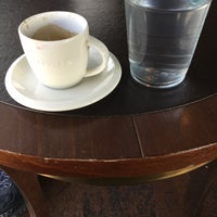 Photo taken at Starbucks by Noori L. on 3/9/2016