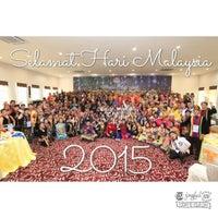 Photo taken at Restoran Nelayan by aizat asyraf s. on 9/15/2015