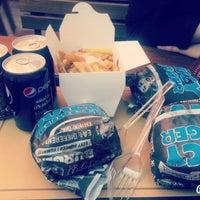 Foto tomada en Burger Land | برگرلند por Hoorieh J. el 1/10/2016