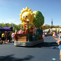 Photo taken at Sesame Place by Marc H. on 5/4/2013