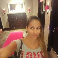 Photo taken at Victoria's Secret PINK by Norma A. on 6/18/2016