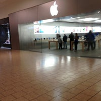 Photo taken at Apple Store, Short Hills by Arthur H. on 3/29/2013