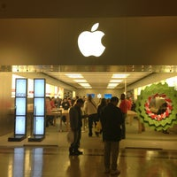 Photo taken at Apple Store, Bridgewater by Alex on 12/24/2012
