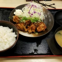 Photo taken at 松乃家 中野店 by Shinichi O. on 9/2/2016