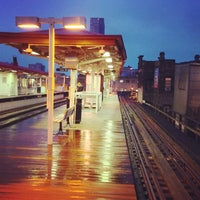 Photo taken at CTA - Sheridan by Ryan B. on 12/7/2012