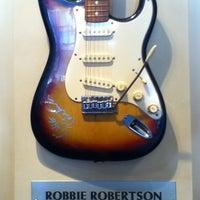 Photo taken at Hard Rock Cafe by Yutaka H. on 1/26/2013