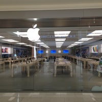 Photo taken at Apple Southdale by Chris D. on 4/20/2013