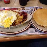 Photo taken at Flap Jack Restaurant by Bruce K. on 3/29/2014