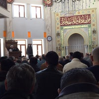 Photo taken at Akbaba Mehmet Efendi Camii by Ramazan K. on 4/1/2016