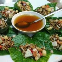 Photo taken at Alissara Thai Cuisine by Teks1m on 5/31/2016