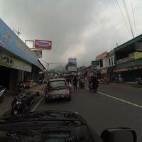 Photo taken at Pasar Tawangmangu by Pitra Dwi Y. on 7/13/2016
