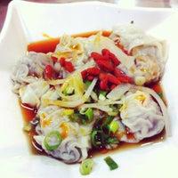 Photo taken at 禚家餃子館永吉店 Dumpling Restaurant Taipei Yung-Ji branch by Manuel H. on 4/13/2014