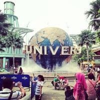 Photo taken at Universal Studios Singapore by Mika EunJin K. on 7/18/2013