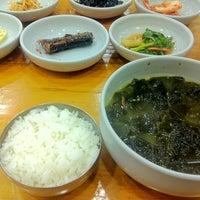 Photo taken at 삼정한식 by Yoojin K. on 11/8/2012
