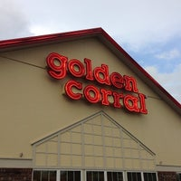 Photo taken at Golden Corral by Wesley C. on 7/5/2013