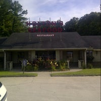 Photo taken at Holton's Restaurant by Rosalind J. on 6/18/2013