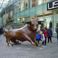 Photo taken at Bullring Shopping Centre by Yusri Echman on 7/28/2013