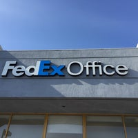 Photo taken at FedEx Office Print & Ship Center by Seiichi T. on 2/25/2016
