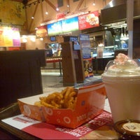 Photo taken at Arby's by Mokhamad N. on 12/17/2012