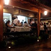 Photo taken at Pizza & Pizzas by Fernanda C. on 4/6/2014