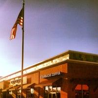 Photo taken at Starbucks by 💋ZA on 9/13/2013