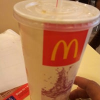 Photo taken at McDonald's & McCafé by Siffuu A. on 11/6/2012