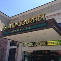 Photo taken at Island Gourmet Market by Stuart R. on 8/30/2013