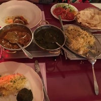 Photo taken at Indian Restaurant Ganesha by Medet Ö. on 5/16/2016