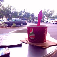 Photo taken at Menchie's Frozen Yogurt by Ana A. on 10/6/2012