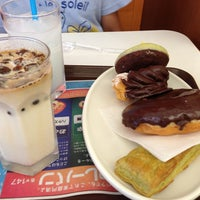 Photo taken at Mister Donut by Kabeuji T. on 8/10/2013