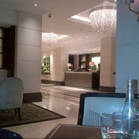 Photo taken at InterContinental London Park Lane by lee on 10/19/2012