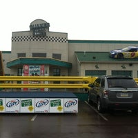 Photo taken at Quaker Steak & Lube® by Susan O. on 5/11/2013