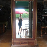 Photo taken at Westheimer Antiques Flea Market by PalenkaUKR on 5/18/2016