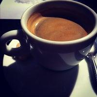 Photo taken at Café da Oca by Marcelo D. on 9/19/2012