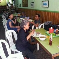 Photo taken at Warung Makan Nikmat by Puji T B. on 10/13/2012