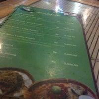 Photo taken at Ayam Goreng Lombok Idjo by Elasa D. on 12/31/2012