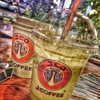 Photo taken at J.Co Donuts & Coffee by Mima R. on 12/29/2015